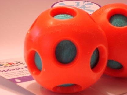 Outward Hound splash ball close up