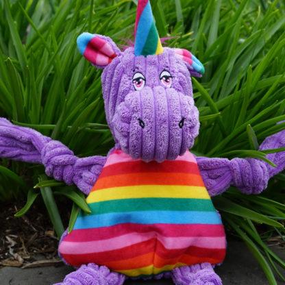 knottie-unicorn-outside